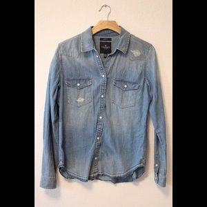 American Eagle Jean Button Down Top/ Slim Fit